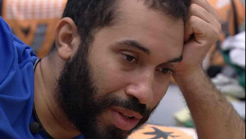 Gilberto aponta que brother usou Sarah e dispara: 'Desde de lá atrás que ele te trai'