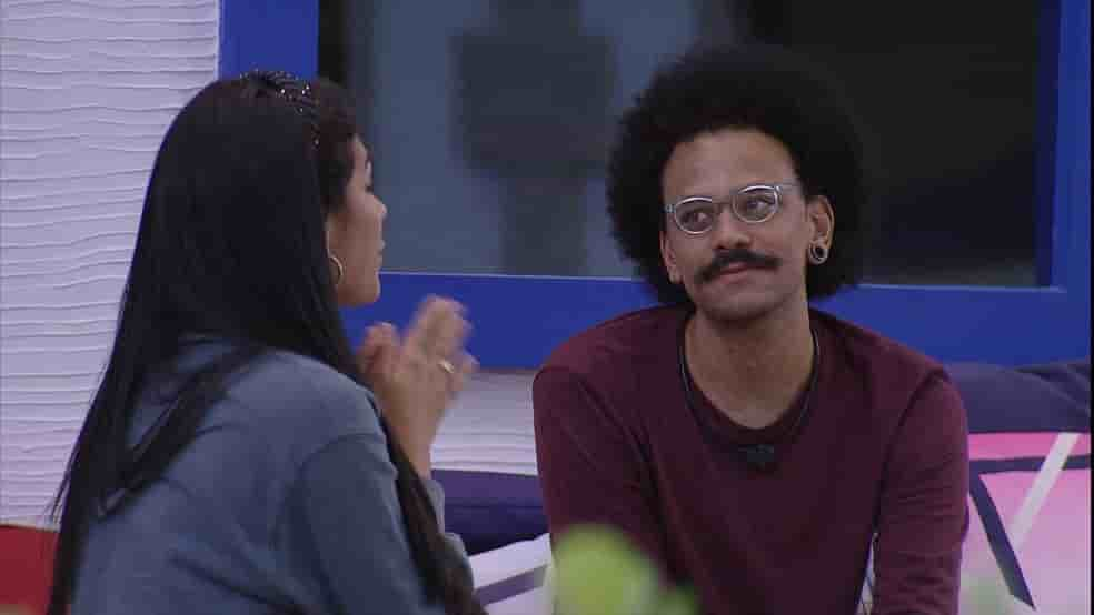João Luiz conversa com Pocah